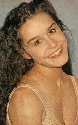 Lucélia Santos como Carolina