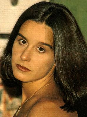 Lucélia Santos como Leninha