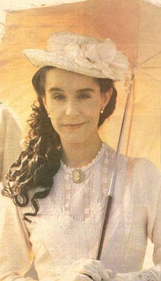 Lucélia Santos como Júlia